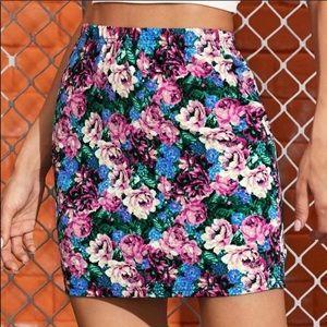 Dresses & Skirts - Floral Print mini Skirt